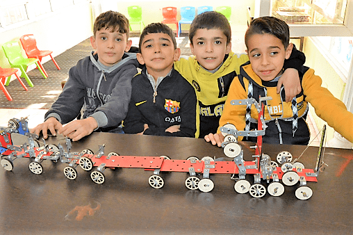 "Practical engineering ""meccano"" like model making"